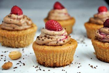 Mandulás Cupcake Kávés-Kesudiós Krémmel (Gluténmentes)