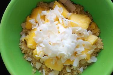 Egzotikus Kókuszos-Ananászos Quinoa