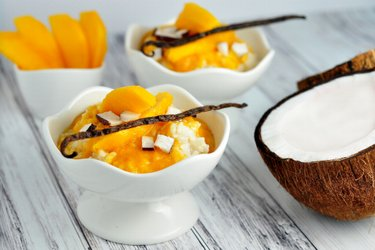 Egészséges vaníliás tejberizs mangóval