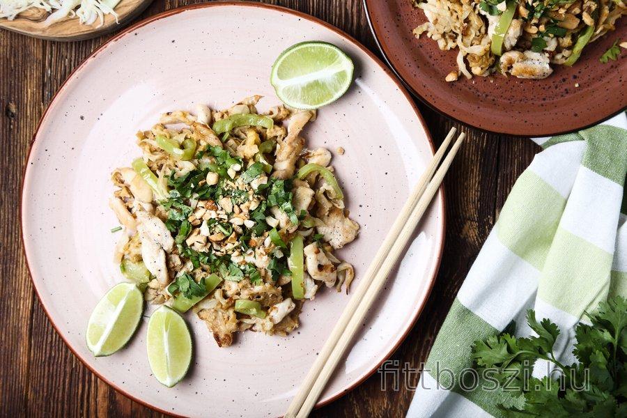 Könnyű Csirke Pad Thai